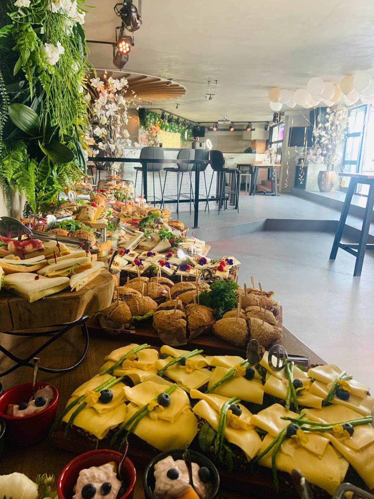 Eten Eau Lounge Rotterdam